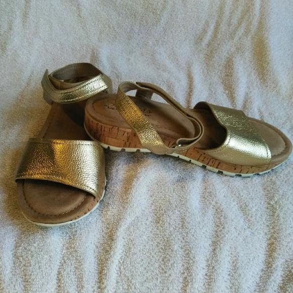 Skechers Shoes | Gold Sandals | Poshmark